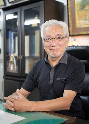 顔写真:代表取締役 児島 研輔